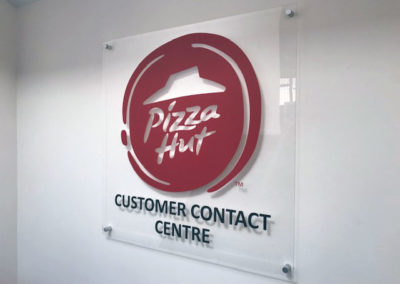 service-contact-management-01